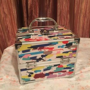 Deluxe Caboodles Storage Box! It locks!